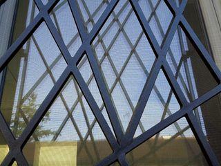 ArchitetturaTerapia® 現代房屋設計點子、靈感 & 圖片 鐵/鋼 Grey