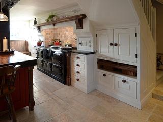 American Black Walnut in a hand painted kitchen Hallwood Furniture مطبخ خشب متين White