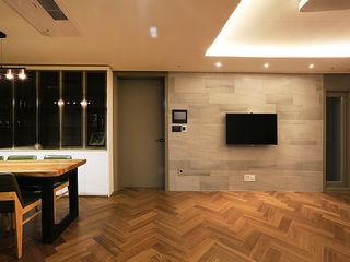 일곱기둥 인테리어 Moderne Wohnzimmer