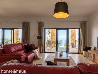 Home & Haus   Home Staging & Fotografía غرفة المعيشة White