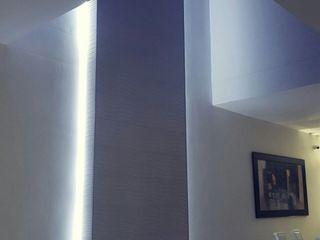 CONSTRUCTOR INDEPENDIENTE Moderne Wände & Böden