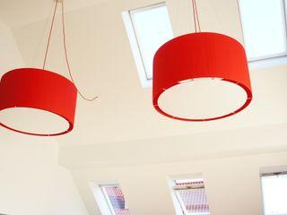 lichtundobjektberatung.de Living room Wood-Plastic Composite Red
