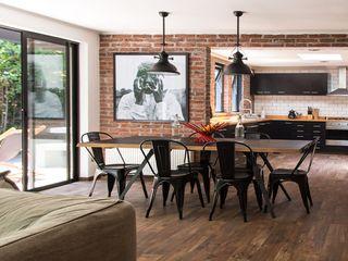 Remodalación Casa Caribes por RENOarq RENOarq Comedores de estilo moderno Azulejos Marrón