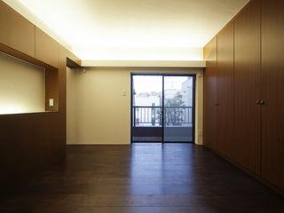アトリエ スピノザ Classic style bedroom