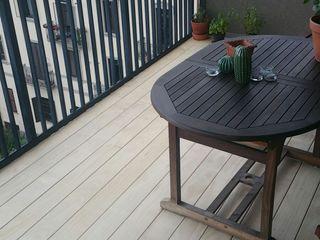 Imola Legno S.p.A. socio unico Modern style balcony, porch & terrace