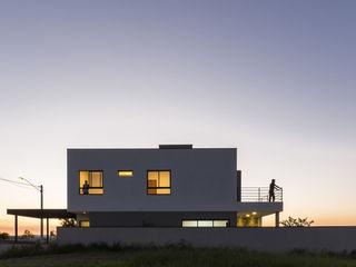Taguá Arquitetura Maisons minimalistes