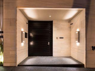 CASA FÁTIMA Rousseau Arquitectos Pasillos, vestíbulos y escaleras modernos