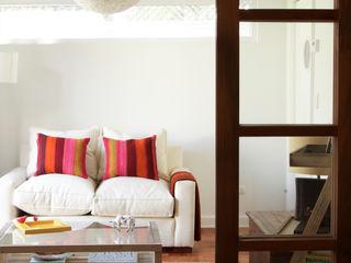 Remodelación de Casa Del Inca por RENOarq RENOarq Livings de estilo moderno
