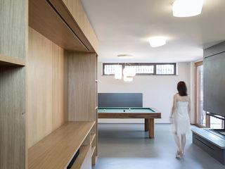 CRT   Minimal meets Tradition PLUS ULTRA studio Soggiorno minimalista