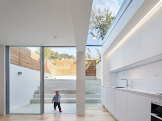 Casa del Sol Sophie Nguyen Architects Ltd Modern Dining Room Glass White