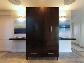 Olamar Interiors, LLC Koridor & Tangga Modern White