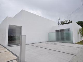 門一級建築士事務所 Maisons modernes Blanc