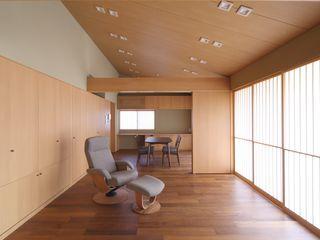 株式会社 北島建築設計事務所 Salas de estilo asiático