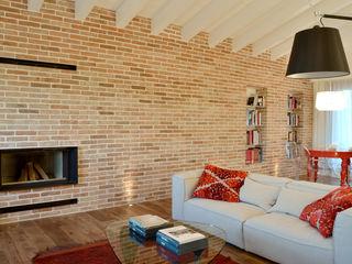 Appartamento in campagna Filippo Coltro architetto Soggiorno moderno