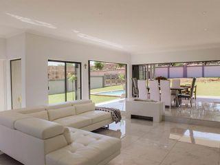 Living Room 3 homify Modern Living Room