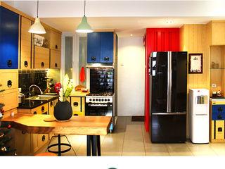 Metro House IDEO DESIGNWORK Dapur Gaya Industrial