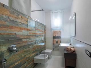 Angelo De Leo Photographer Mediterranean style bathrooms Slate Multicolored