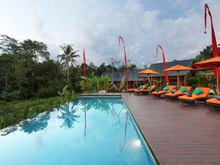 WaB - Wimba anenggata architects Bali Hoteles de estilo ecléctico Madera Multicolor