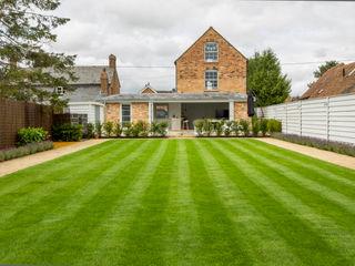 Mill house renovation and extension, Buckinghamshire HollandGreen 모던스타일 주택