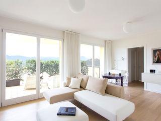 Appartamento alle Terme Filippo Coltro architetto Soggiorno moderno