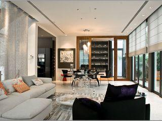 Mont Sinai, Singapore E&U Living roomSofas & armchairs Metallic/Silver