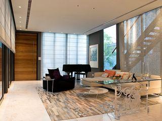 Mont Sinai, Singapore E&U Ruang Keluarga Modern Metal White