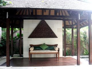 Credenza Interior Design 陽台、門廊與露臺 家具 木頭