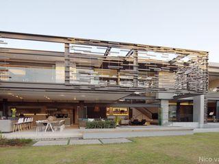 Nico Van Der Meulen Architects Будинки Сірий