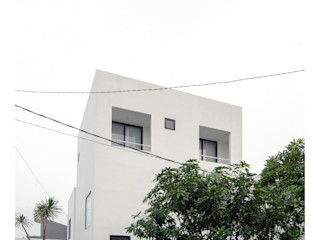 Ahouse studiopapa Rumah Minimalis