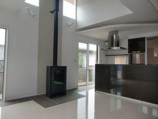 株式会社メトスプランニング Living roomFireplaces & accessories