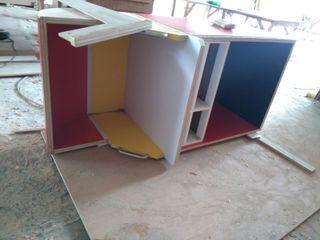 JSK STUDIO DESIGN Balconies, verandas & terraces Furniture Plywood Red