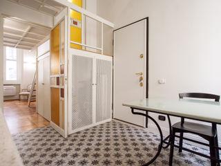 Chantal Forzatti architetto Modern Corridor, Hallway and Staircase Multicolored