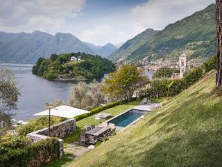 VL piscina_Progetto di una piscina e sistemazione delle aree esterne* Chantal Forzatti architetto Giardino con piscina Pietra Grigio