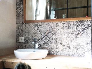 Renovation salle de douche - saint raphael B.Inside Salle de bain industrielle Céramique Bleu