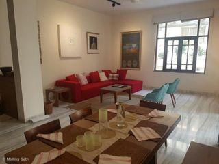 Mallika Seth WoonkamerSofa's & fauteuils