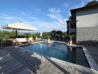 Sulle sponde del Lago Maggiore Mirani Sas Piscina in stile in stile classico