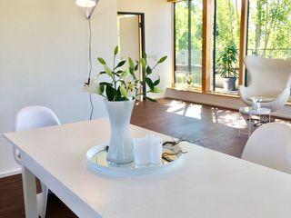 Münchner home staging Agentur GESCHKA Salle à manger minimaliste Blanc