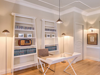 Studio Guerra Sas Classic style study/office