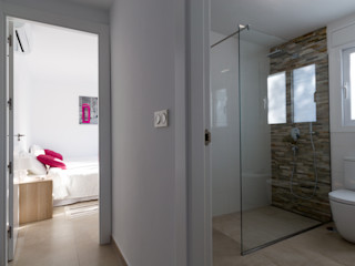 Home & Haus   Home Staging & Fotografía الممر والمدخل White