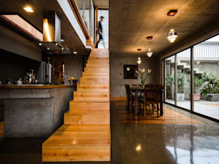 Dx Arquitectos Modern corridor, hallway & stairs