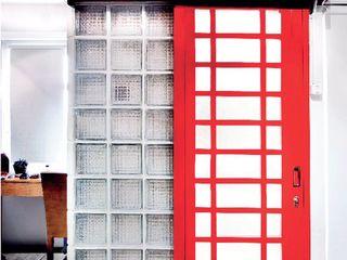 Industrial London inspired apartment SATTVA square Pintu Red