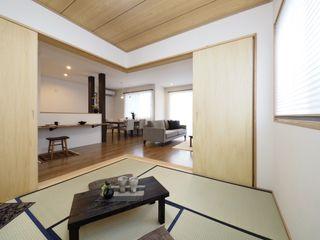 Live Sumai - アズ・コンストラクション - Modern style media rooms Green