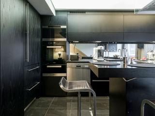 Ohlde Interior Design Вбудовані кухні Дерево Чорний