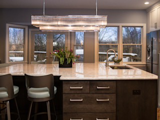 PERFORMANCE KITCHENS & HOME Eclectic style kitchen Solid Wood White