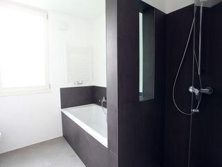 Neugebauer Architekten BDA Minimalist style bathroom