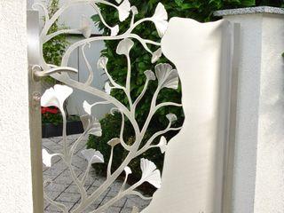 Edelstahl Atelier Crouse: 禪風庭院 金屬 Metallic/Silver