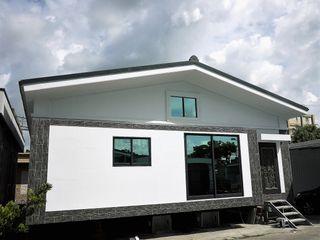 築地岩移動宅 Asian style houses White