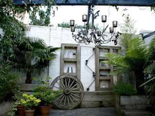 Outdoor Living Garden design in South London Earth Designs Vườn phong cách chiết trung