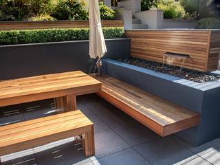 A Contemporary Terrace Garden Robert Hughes Garden Design Jardines de estilo moderno Madera