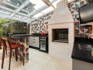 Maluf & Ferraz interiores Modern Terrace Red